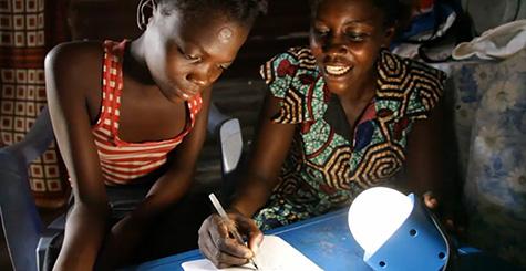 Philips lance un plaidoyer pour éradiquer la pauvreté énergétique et éviter des millions de décès par an