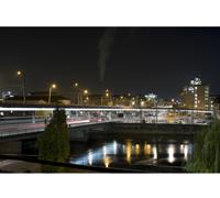 Philips LEDline2 lassen die Brücke in dezentem Weisslicht erstrahlen