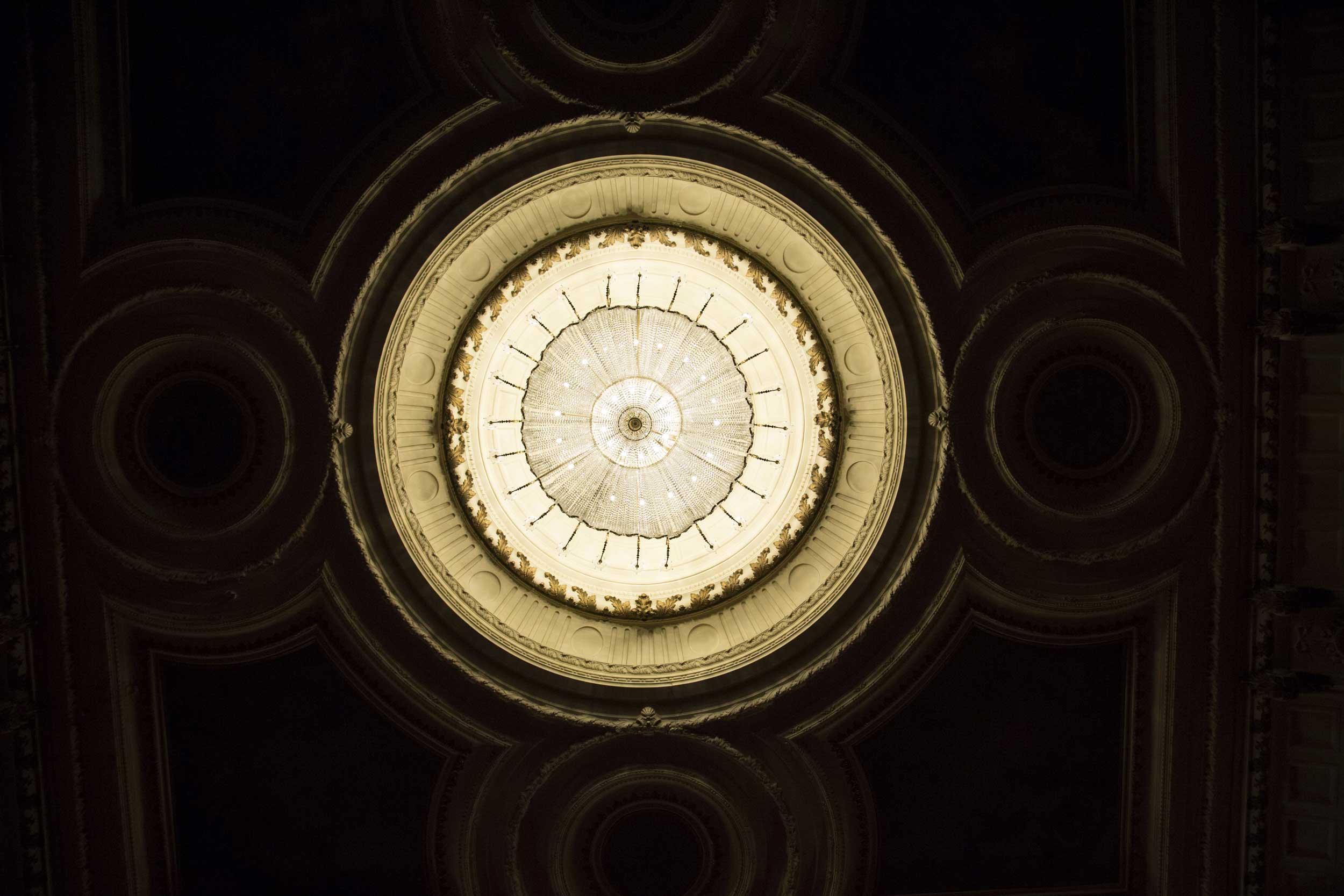 El Teatro De La Luz Philips Gran V 237 A Ilumina Desde Hoy La